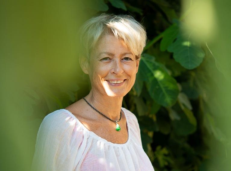 Astrologue tarologue lithothérapie Aubenas